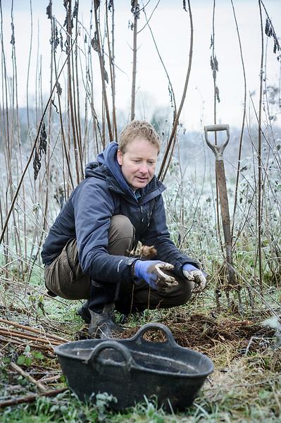 Otter Farm with Mark Diacono (16th December 2012)