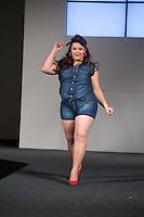 SÃO PAULO, SP, 24.07.2016 - MODA-SP - Desfile da marca Xtra Charmy durante o 14 Fashion Weekend Plus Size que acontece neste domingo, 24 no Centro de Convenções Frei Caneca.(Foto: Ciça Neder/Brazil Photo Press)