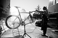 bike cleaning<br /> <br /> restday 2 in Burgos<br /> 2015 Vuelta &agrave; Espagna