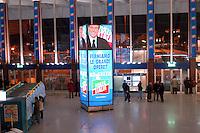 Roma  6 Febbraio 2006.Pubblicita' elettorale, alla Stazione Termini, di Silvio Berlusconi e del partito di Forza Italia per le elezioni politiche .Rome, February 6, 2006.Election advertising, to Termini Station, of Silvio Berlusconi and party Forza Italy for election