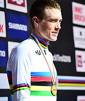 Picture by Simon Wilkinson/SWpix.com - 26/09/2018 - Cycling 2018 Road Cycling World Championships Innsbruck-Tiriol, Austria - Individual Time Trial Men Elite - Rohan Dennis of Australia celebrates in the Rainbow Jersey.
