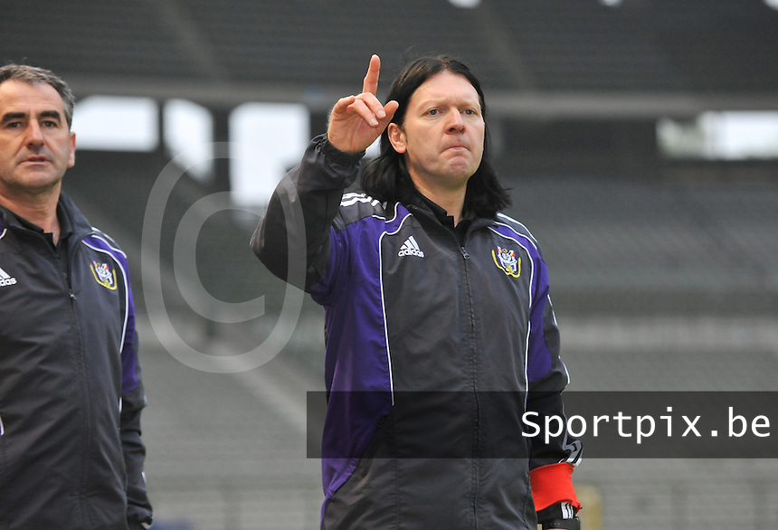 RSC Anderlecht Dames - Standard Femina de Liege : coach Filip De Winne.foto DAVID CATRY / Vrouwenteam.be