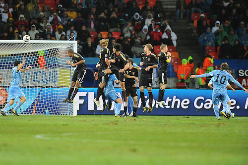 11 07 2010  Simon Free kick from Diego Forlan Uru Short before Game over to The Latte Free kick wall Uruguay Uru Germany ger  Final Game to square 3 FIFA World Cup 2010 10 07 2010 Football World Cup 2010