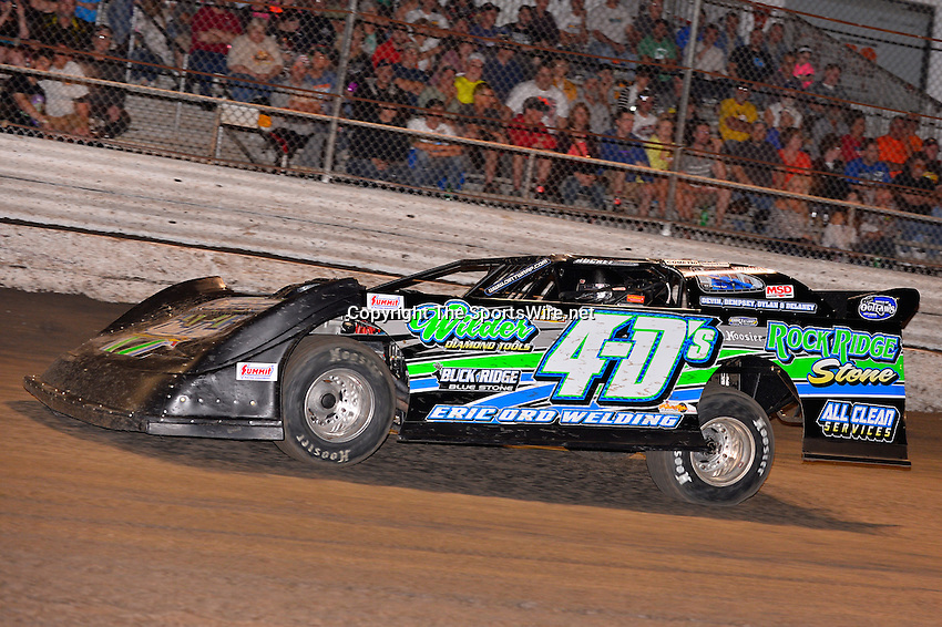 Feb 20, 2014; 7:02:01 PM;  Barberville, FL, USA;  World of Outlaws Late Model Series for 43rd Annual DIRTcar Nationals presented by Summit Racing Equipment at Volusia Speedway Park.  Mandatory Credit: (thesportswire.net)