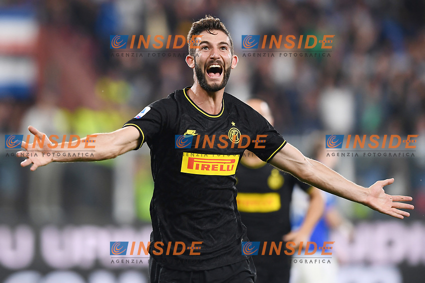 Roberto Gagliardini of FC Internazionale celebrates after scoring the goal of 1-3 for his side <br /> Genova 28-09-2019 Stadio Luigi Ferraris Football Serie A 2018/2019 Sampdoria - FC Internazionale  <br /> Photo Image Sport / Insidefoto