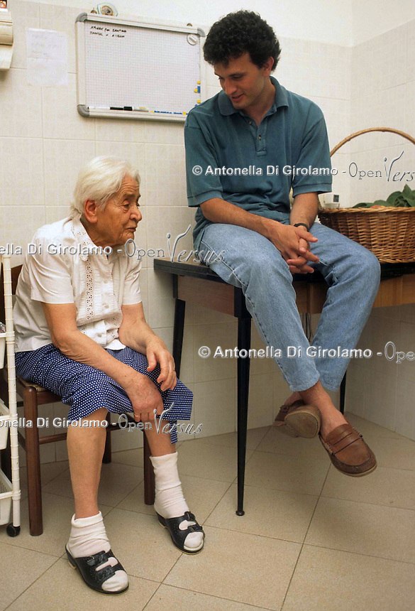 Assistenza agli anziani. Elderly care....