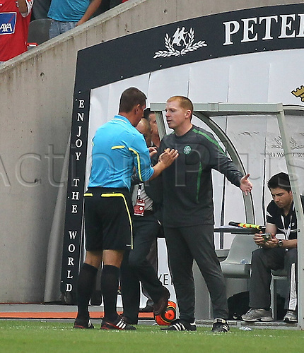 28 07 2010  Portugal. SC Sporting Braga  versus Celtic Glasgow. Champions League 2010 2011 Second Qualifying Round First Leg In the Picture Neil Lennon Coach Celtic being lectured by the referee