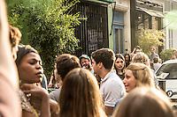 Paris Fete de la musique   Festa della Musica 2015  Music Festival  Un cantante in mezzo alla folla