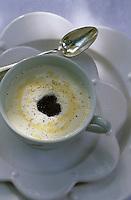 """Europe/France/Provence-Alpes-Côte d'Azur/83/Var/Saint-Tropez: Velouté aux truffes - Recette de Christophe Leroy chef du restaurant """"Les Moulins"""""""