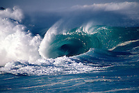 Hawaii, Oahu, Waimea Bay shorebreak, giant wave.