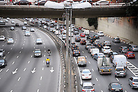 São Paulo,SP 09/06/2014 -Transito Viaduto Jaceguai/CorredorLesteOeste/RadialLeste - Durante a tarde. Na Belva Vista-Região Central de São Paulo nesta Segunda,09<br /> (foto:Kevin David/Brazil Photo Press)