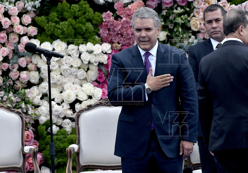 BOGOTÁ - COLOMBIA, 07-08-2018: Ivan Duque, saluda a los asistentes después de tomar posesión como presidente de Colombia para el período constitucional 2018 - 22 durante ceremonia en la Plaza Bolívar el 7 de agosto de 2018 en Bogotá, Colombia. / Ivan Duque, greets to the assistants after he takes office to constitutional term as president 2018 - 22 at Plaza Bolivar on August 7, 2018 in Bogota, Colombia. Photo: VizzorImage/ Gabriel Aponte / Staff