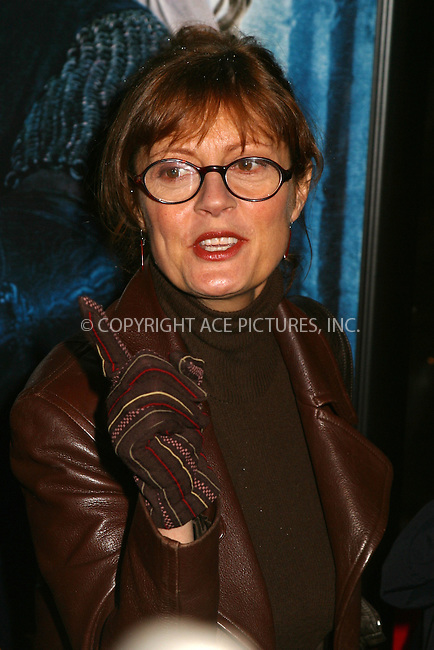 Susan Sarandon at the World Premiere of The Lord of the Rings: The Two Towers. New York, December 5, 2002...Please byline: Alecsey Boldeskul/NY Photo Press.   ..*PAY-PER-USE*      ....NY Photo Press:  ..phone (646) 267-6913;   ..e-mail: info@nyphotopress.com