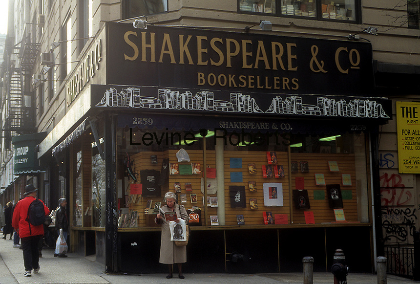 The now shuttered Shakespeare & Co. Booksellers on Broadway in the Upper West Side neighborhood of New York prior to it's closing in 1996. (© Frances M. Roberts)