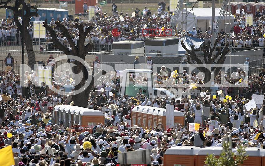 Pope Benedict visited some places in Guanajuato in his first stay on land mexicanas.Joseph Ratzinger.<br /> El Papa Benedicto XVI visito algunos lugares de Guanajuato en su primera  estadia en   tierras mexicanas.Joseph Ratzinger. <br /> *Photo&copy;TiradorTercero/ NortePhoto **