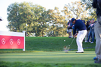 Phil Mickelson (Team USA) on the 4th tee during the Saturday morning Foursomes at the Ryder Cup, Hazeltine national Golf Club, Chaska, Minnesota, USA.  01/10/2016<br /> Picture: Golffile | Fran Caffrey<br /> <br /> <br /> All photo usage must carry mandatory copyright credit (&copy; Golffile | Fran Caffrey)