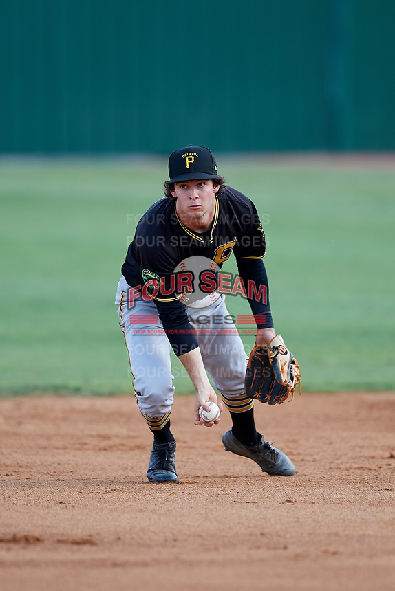 Bristol Pirates second baseman Chase Lambert (2) flips to the shortstop covering second base during a game against the Elizabethton Twins on July 28, 2018 at Joe O'Brien Field in Elizabethton, Tennessee.  Elizabethton defeated Bristol 5-0.  (Mike Janes/Four Seam Images)