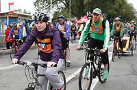Le maire Denis Coderre participe au Tour de 'Ile 2015<br /> <br /> <br /> PHOTO :  Agence Quebec Presse