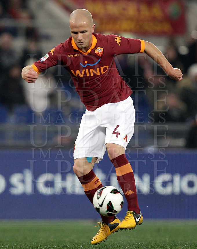 Calcio, Serie A: Roma vs Genoa. Roma, stadio Olimpico, 3 marzo 2013..AS Roma midfielder Michael Bradley, of the United States, in action during the Italian Serie A football match between AS Roma and Genoa at Rome's Olympic stadium, 3 March 2013..UPDATE IMAGES PRESS/Riccardo De Luca