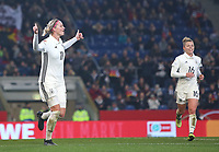24.11.2017, Football Frauen Laenderspiel, Germany - France, in der SchuecoArena Bielefeld. Jubel   Alexandra Popp (Germany) und Linda Dallmann (Germany) celebrates scoring to 3:0 *** Local Caption *** © pixathlon +++ tel. +49 - (040) - 22 63 02 60 - mail: info@pixathlon.de<br />
