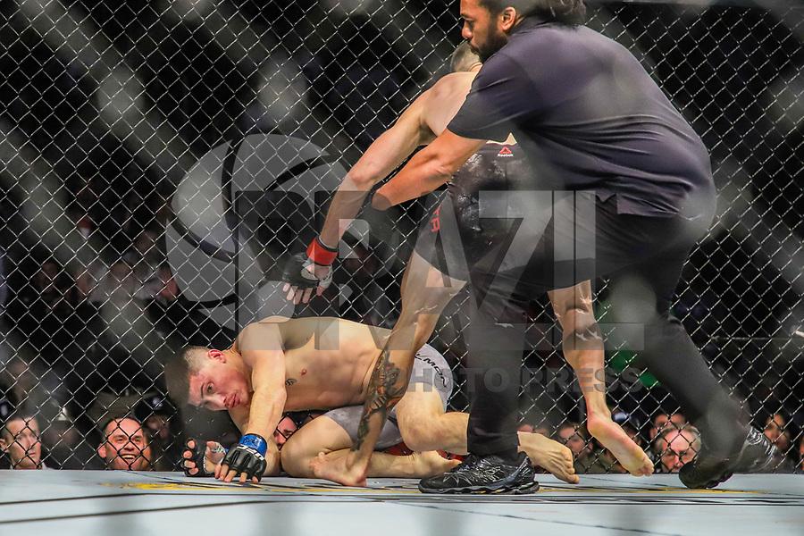 BOSTON, EUA, 18.10.2019 - UFC-BOSTON - Lutadores Randy Costa (vermelho) e Boston Salmon (azul) durante UFC Fight Night no Td Garden em Boston no Estado de Massachusetts nos Estados Unidos na noite desta sexta-feira, 18. (Foto: Vanessa Carvalho/Brazil Photo Press/Folhapress)