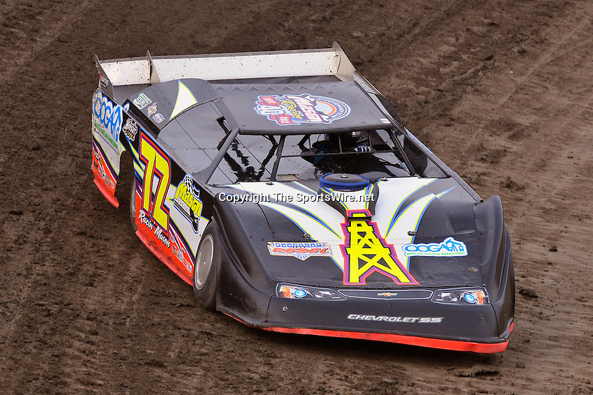Sep 7, 2013; 7:18:59 PM; Rossburg, OH., USA; The 43rd annual World 100 $46,000-to-win UMP DIRTcar-sanctioned event at the half-mile Eldora Speedway.  Mandatory Credit: (thesportswire.net)