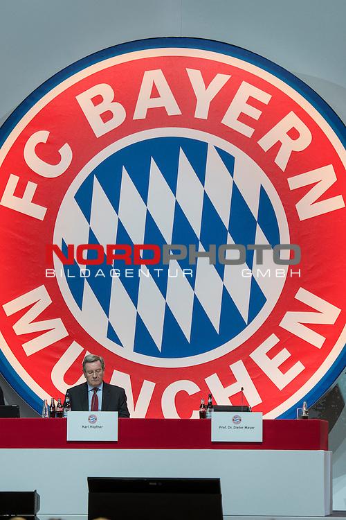 25.11.2016, Audi Dome, Muenchen, GER, FC Bayern Jahreshauptversammlung 2016, im Bild Karl Hopfner (Praesident FC Bayern M&uuml;nchen) vor dem FC Bayern Logo<br /> <br /> Foto &copy; nordphoto / Straubmeier