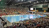Handball 1. Bundesliga Frauen 2013/14 - Handballclub Leipzig (HCL) gegen Thüringer HC (THC) am 30.10.2013 in Leipzig (Sachsen). <br /> IM BILD: Blick in die Halle die mit 4361 Zuschauern gut gefüllt ist. <br /> Foto: Christian Nitsche / aif