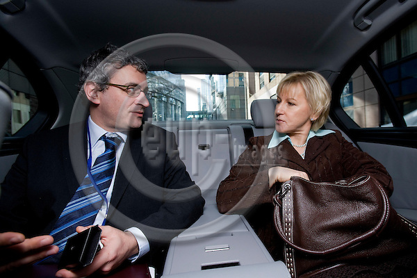 BRUSSELS - BELGIUM - 12 FEBRUARY 2009 -- The Swedish EU Commissioner Margot WALLSTRÖM together with her Deputy Head of Cabinet Patrick COSTELLO driving away from the parliament in a official car borrowed from another member of the commission. Photo: Erik Luntang/EUP-IMAGES