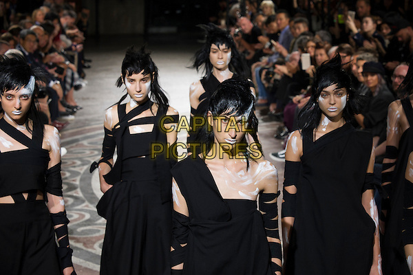 YAMAMOTO<br /> Paris Fashion Week Spring Summer 2017<br /> on September 30, 2016<br /> CAP/GOL<br /> &copy;GOL/Capital Pictures