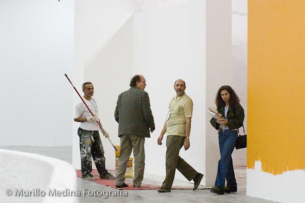 Montagem da 26ª Bienal Internacional de São Paulo. Pavilhão da Bienal do Ibirapuera, 2004. Imagem para o catálogo da montagem da Bienal. Foto: Murillo Medina.