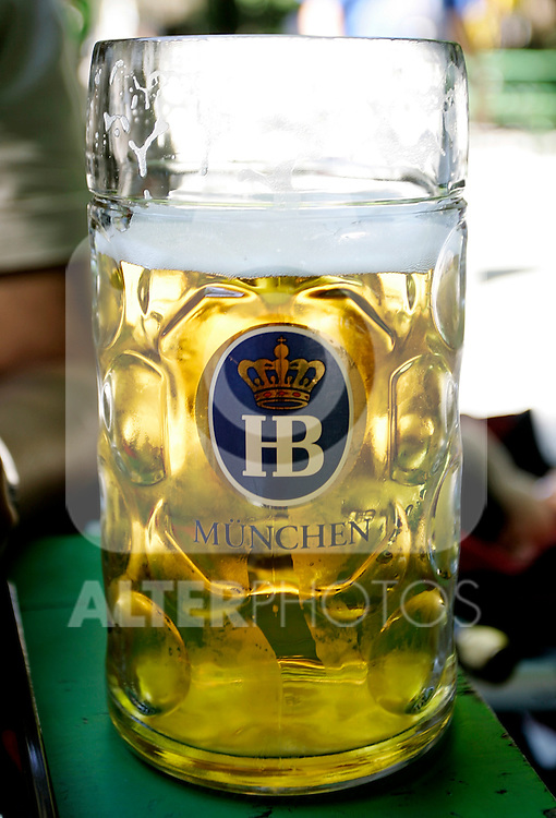 Tipical Beer jar at a beer garden in Munich, Germany, July 31, 2008. (ALTERPHOTOS/Alvaro Hernandez)