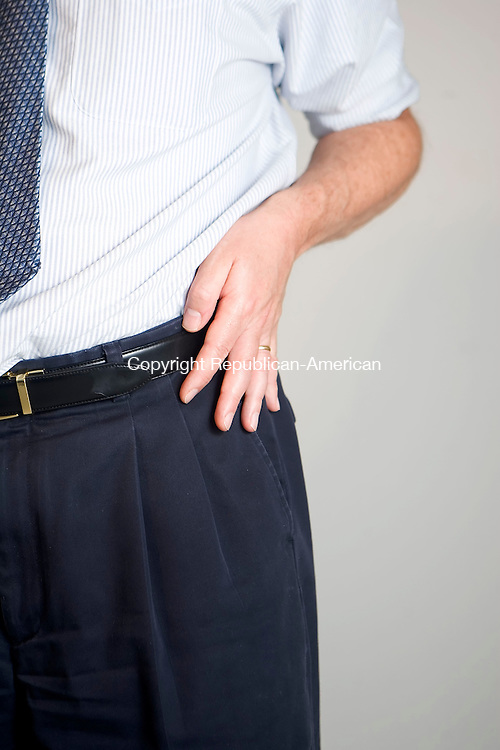 WATERBURY, CT- 10 OCT 2007- 101007JT13- <br /> mia phone<br /> Josalee Thrift / Republican-American