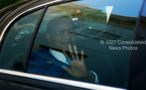 Washington, DC - May 21, 2009 -- President Jakaya Kikwete of Tanzania waves from his car as he leaves the White House after meeting with United States President Barack Obama, Washington, DC, Thursday, May 21, 2009..Credit: Aude Guerrucci - Pool via CNP
