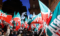 Militanti di Forza Italia al comizio dell'ex Presidente del Consiglio Silvio Berlusconi sotto la sua residenza di Palazzo Grazioli, contro la sua decadenza dalla carica di senatore, a Roma, 27 novembre 2013.<br /> Forza Italia (Go Italy) party's activists attend a protest with Italian former Premier Silvio Berlusconi outside of his residence, against his expulsion from the Senate, following his conviction for tax fraud, in Rome, 27 November 2013.<br /> UPDATE IMAGES PRESS/Isabella Bonotto