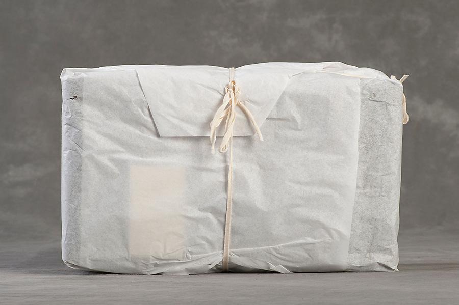 Willard Suitcases / Margaret Ma / ©2014 Jon Crispin