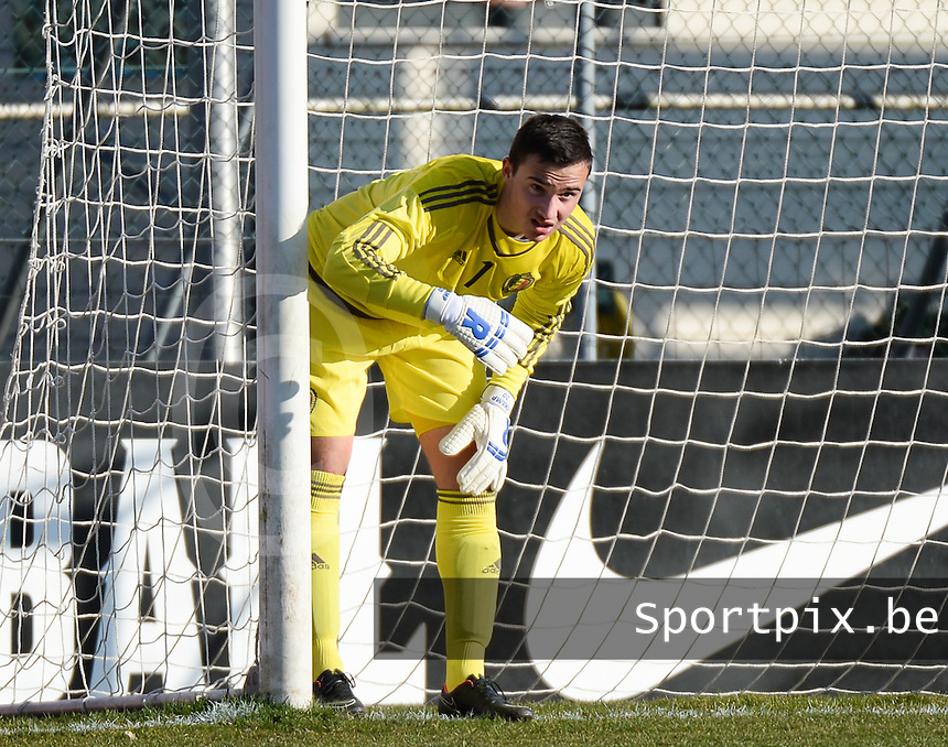 20150312 - GENDT , NETHERLANDS  :  Belgian goalkeeper Jens Teunckens pictured during the soccer match between Under 17 teams of  Belgium and Northern Ireland , on the first matchday in group 3 of the UEFA Elite Round Under 17 at De Bataven Stadion , Gendt , The Netherlands . Thursday  12 th March 2015 . PHOTO DAVID CATRY