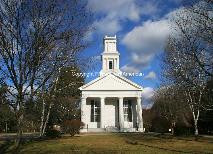 CORNWALL, CT. 02 DECEMBER 03_NEW_120208DA02.jpg-The United Church of Christ in Cornwall, Congregational gathered in 1740. For What's in a name.  REPUBLICAN/AMERICAN  Darlene Douty