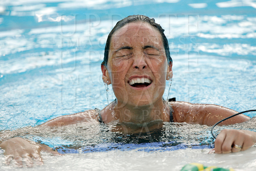Brazil's Fabiola Molina reacts after competing in a women's 100 meters backstroke semifinal at the Swimming World Championships in Rome, 27 July 2009..UPDATE IMAGES PRESS/Riccardo De Luca