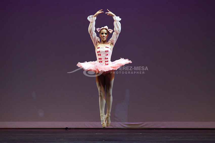"""Fairy Doll Pas de Trois"" of Russian choreographer Sergei Legat, music of Ricardo Drigo, performed by National Ballet Theater of Puero Rico. Dancers: Odemar Ocasio, Nilda Lopez and Omar Roman."
