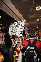 Fans warten auf die DFB-Elf - Tim Valentin (7J.) mit seinem Plakat<br /> Fans warten am Frankfurter Flughafen auf die DFB-Elf *** Local Caption *** Foto ist honorarpflichtig! zzgl. gesetzl. MwSt. Auf Anfrage in hoeherer Qualitaet/Aufloesung. Belegexemplar an: Marc Schueler, Alte Weinstrasse 1, 61352 Bad Homburg, Tel. +49 (0) 151 11 65 49 88, www.gameday-mediaservices.de. Email: marc.schueler@gameday-mediaservices.de, Bankverbindung: Volksbank Bergstrasse, Kto.: 151297, BLZ: 50960101