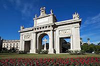 Spain, Costa Blanca, Valencia: Plaza de la Porta de la Mar | Spanien, Costa Blanca, Valencia: Plaza de la Porta de la Mar
