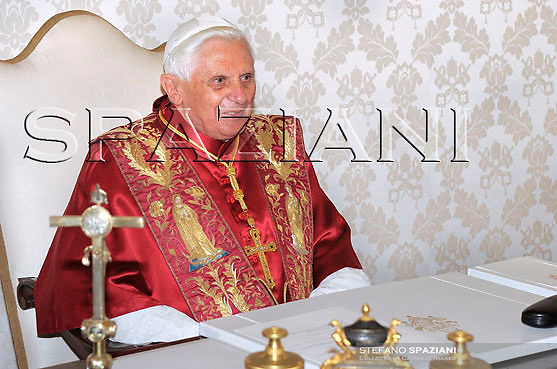 Pope Benedict XVI and Portugal's President Anibal Cavaco Silva meet during a private audience at the Vatican, Monday, Dec. 1, 2008..