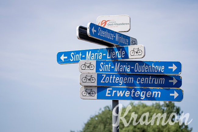 what cycling route to take?<br /> <br /> cycling hotspots & impressions in the Vlaamse Ardennen (Flemish Ardennes) along the 181km Spartacus (Chasing Cancellara) cycling route<br /> <br /> Cycling In Flanders <br /> Flanders Tourist Board<br /> <br /> ©kramon