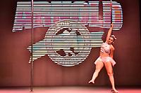 SÃO PAULO,SP - 21.04.2017 - ARNOLD-CLASSIC - Competidora, durante Campeonato Panamerica de Pole Dance, categoria Iniciante, no evento Arnold Classic South America, realizado no Transamérica Expo Center, zona sul de São Paulo (SP), na manhã desta sexta-feira, 21. O Arnold Classic faz sua estreia em São Paulo, após quatro anos no Rio de Janeiro, com números superlativos.  (Foto: Eduardo Carmim/Brazil Photo Press)