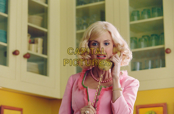 KELLY PRESTON.in The Cat In The Hat.Filmstill - Editorial Use Only.Ref: FB.www.capitalpictures.com.sales@capitalpictures.com.Supplied by Capital Pictures