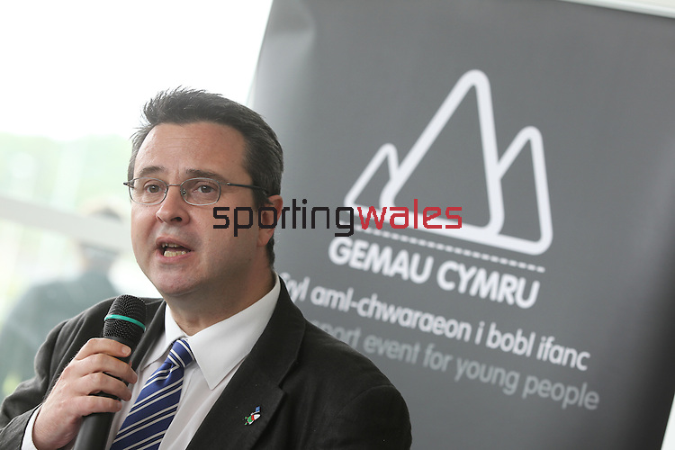 Gemau Cymru.Huw Lewis AM, Minister for Housing, Heritage & Regeneration.Leckwith Stadium.08.07.11.©Steve Pope