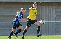 DVK Egem - Club Brugge Dames B : duel tussen  Steffi Verkindere (rechts) en Bo Bernaert (links).  <br /> Foto David Catry | VDB | Bart Vandenbroucke