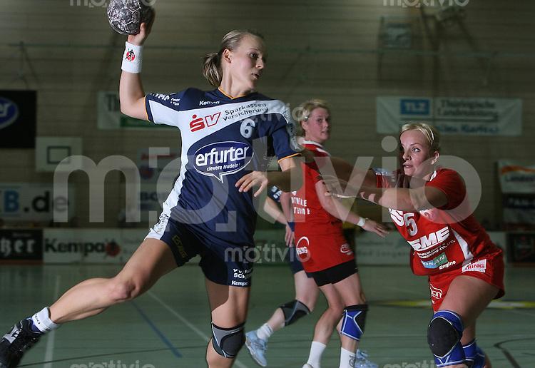 Bad Langensalza , 181106 , 1.Handball - Bundesliga Frauen ; Thueringer HC ( THC ) - Buxtehuder SC  Kristin KARTHEUSER (THC) gegenAleksandra PAWELSKA (Buxtehude)