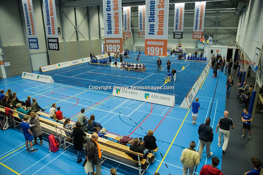 Rotterdam, Netherlands, December 14, 2016, Topsportcentrum, Ballkids selection day for ABNAMROWTT 2017,  <br /> Photo: Tennisimages/Henk Koster